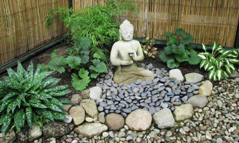 Гармоничный уголок вашего сада