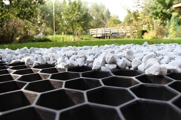 Гравийная решетка для гравийного сада
