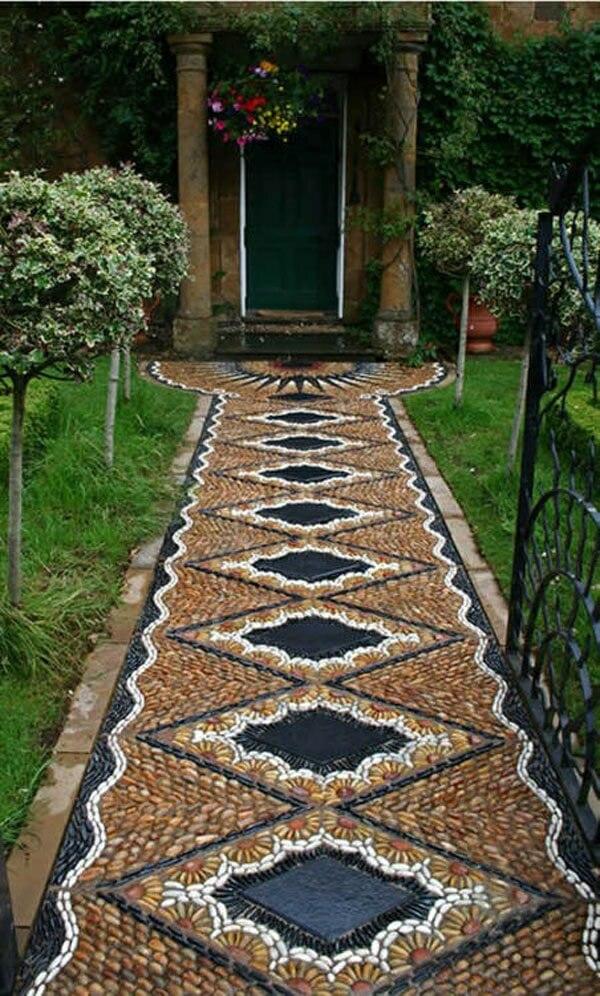 Сад камней с геометрической дорожкой