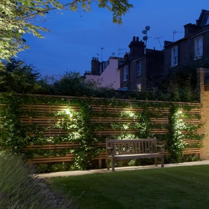 Деревянные конструкции становятся более живыми благодаря тонкому светодиодному освещению