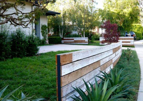 Построить деревянный забор самостоятельно это просто