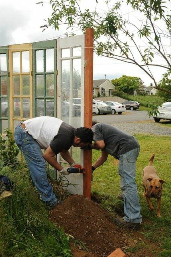 Немного креативных идей для ограждения сада